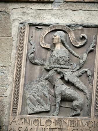 priori: Arezzo - stemma sulla facciata del Palazzo dei Priori Archivio Fotografico