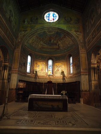 aisles: Chiusi - The Romanesque Cathedral (Duomo) of San Secondiano, built around 560 AD over a pre-existing basilica, and renovated in the 13th century. It has a nave and two aisles supported by antique columns.