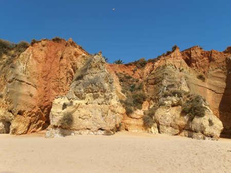 vilamoura: Colourful rocks and wonderful sands on the Algarve coast  Stock Photo