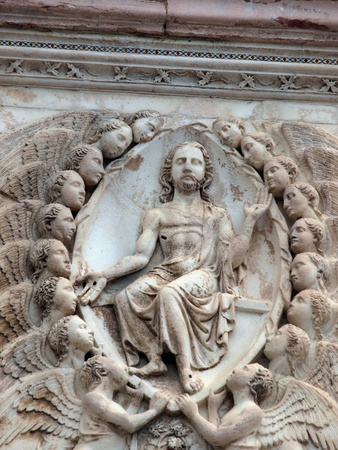 Orvieto - Duomo facade. The fourth pillar with the Last Judgment. Jesus judge among the angels.  新聞圖片