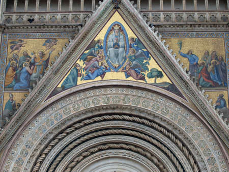 bas: Main west portal  and  the Assumption of Mary - Orvieto Cathedral . Orvieto,Umbria, Italy