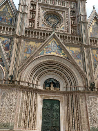 niches: Orvieto - Duomo facade.West front of the Gothic facade of the Orvieto Cathedral, designed by Lorenzo Maitani.