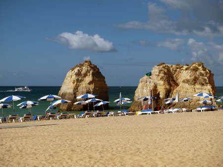 rocha: Beach of Praia da Rocha in Portimao, Algarve, Portugal