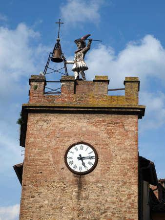 montepulciano: Torre Della Pulcinella Clocktower, Montepulciano, Italy.