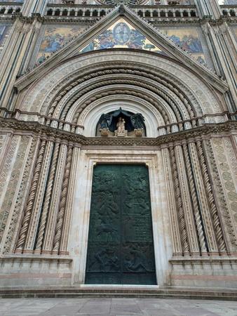 orvieto: Principal West Portal - Catedral de Orvieto. Perugia, Umbr�a, Italia