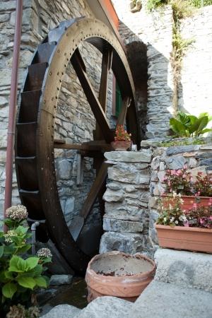molino de agua: El antiguo molino de agua en Manarola