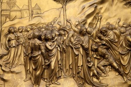 피렌체 - 종탑, 낙원의 문 패널. 모세와 10 계명 스톡 콘텐츠 - 14360164