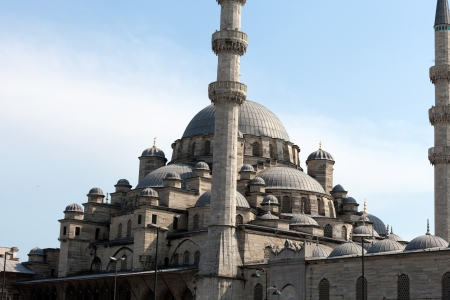 popularly: Istambul - The Sultan Ahmed Mosque Mosque, popularly known as the Blue Mosque