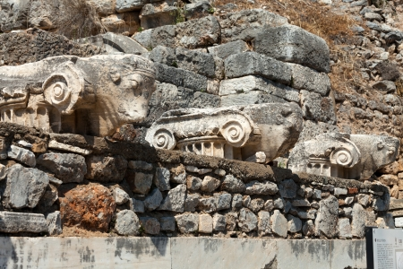 heads old building facade: Ruins of the ancient Greek city Ephesus