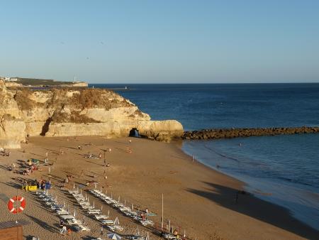 vilamoura: A section of the idyllic Praia de Rocha beach on the Algarve region.  Stock Photo