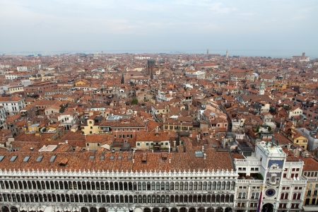vecchie: Aerial view of Venice city from the top of the bell tower at the San Marco Square, Italy