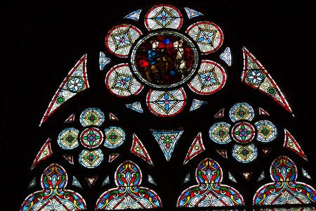 vetrate colorate: Vetrate all'interno del tesoro della Cattedrale di Notre Dame, Sito Patrimonio dell'Umanit� UNESCO. Paris, France