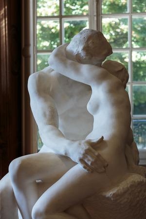 rodin: Paris - Museum Rodin. Sculpture of the Kiss
