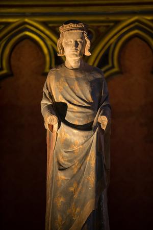 ix: Paris - Sainte Chapelle. Statue of Louis IX  King of France