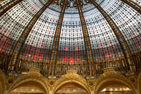 snob: Galeries Lafayette interior in Paris. The architect Georges Chedanne designed the store where a Art Nouveau glass and steel dome