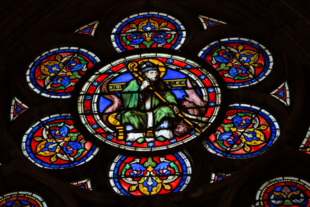 vetrate colorate: Stained glass windows inside the treasury of  Notre Dame Cathedral, UNESCO World Heritage Site. Paris, France
