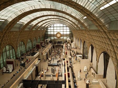 PARIS au 7 septembre 2014: le musée d'Orsay à Paris, France. Musée d'Orsay possède la plus grande collection de peintures impressionnistes et post-impressionnistes dans le monde. Banque d'images - 47301394