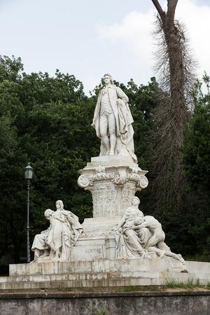 villa borghese: Goethe statue at Villa Borghese in Rome, Italy