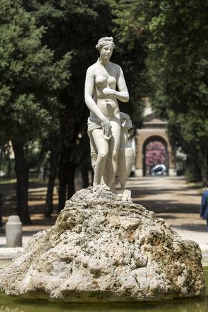 villa borghese: Marble statues in Villa Borghese, public park in Rome. Italy  Italy