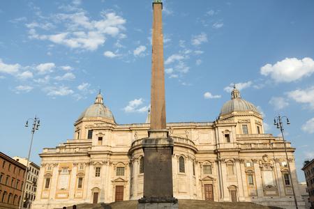 cappella: Bas�lica de Santa Mar�a la Mayor, Capilla Paulina, vista desde la plaza Esquilino en Roma. Italia. Foto de archivo