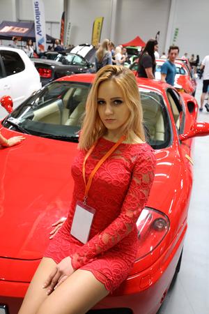 KRAKAU, POLEN - 21. Mai 2016: Ferrari Auto am 3. Auflage von MOTO SHOW in Krakau Polen angezeigt. Aussteller präsentieren interessantesten Aspekte der Automobilindustrie