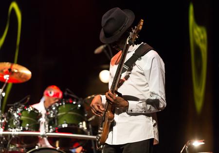 CRACOVIA, Polonia - 16 marzo 2016: Billy Cobham band dal vivo sul palco di ICE Cracovia, Polonia
