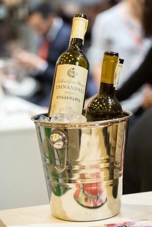 クラクフ、ポーランド - 2016 年 11 月 17 日: 国際ワイン貿易フェア ENOEXPO クラクフではワイン専用専門イベントです。毎年世界各地からワインの生産