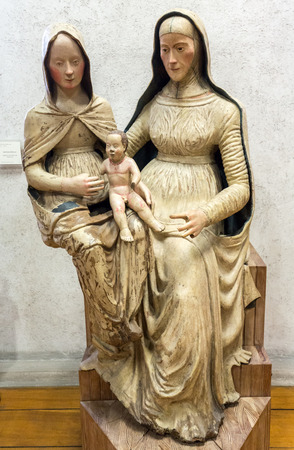 VERONA, ITALIË - MEI 1, 2016: Madonna en Kind met Heilige Anne in Castelvecchio-Museum. Verona, Italië