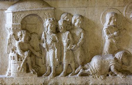 Vérone, Italie - 1er mai 2016: Musée Castelvecchio à Vérone, Italie. Sarcophage de Sants Sergius et Bacchus.