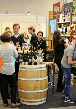 CRACOW POLAND - NOVEMBER 16 2017: International Wine Trade Fair ENOEXPO in Cracow. Producers of wine from all around the world meet the importers distributors and representatives. Cracow. Poland 報道画像