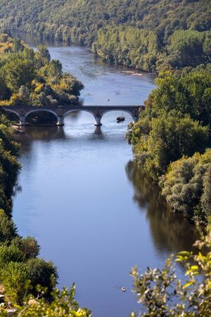 View of the valley of the Dordogne River from Beynac-et-Cazenac Castle, Aquitaine, France Stockfoto