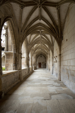 Medieval Cloister of Saint Etienne Cathedral in Cahors, Occitanie, France 에디토리얼