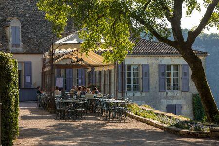 Dordogne, France - September 3, 2018:  Resturant in the gardens of the Jardins de Marqueyssac in the Dordogne region of France 報道画像
