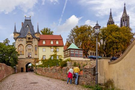 Road to Meissen Castle Standard-Bild - 101460013