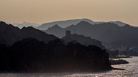 Fortress in Oman Standard-Bild - 100601151