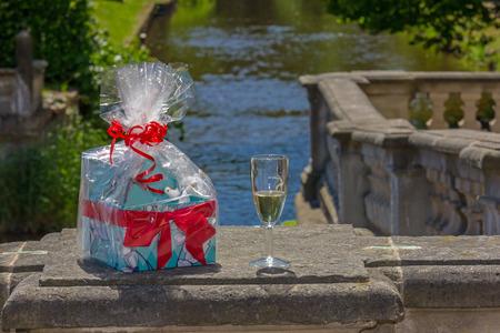 Gift with sparkling wine Standard-Bild - 100549969