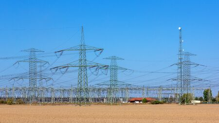 Voltage Masts