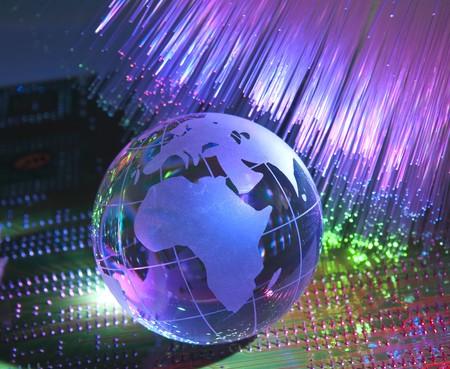 telecomm: estilo de tecnolog�a de mapa de mundo trasfondo de �ptica de fibra  Foto de archivo