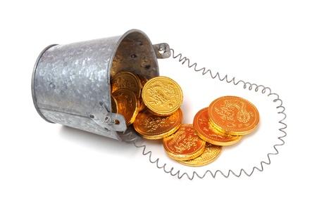 bucket of money: full bucket of coins