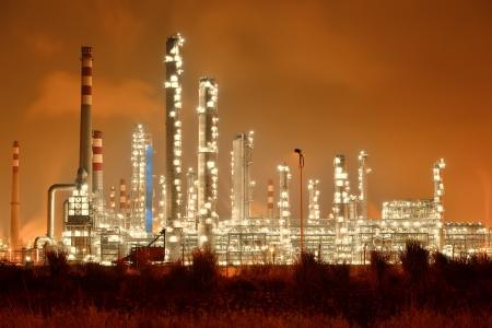 Raffinerie industriel avec chaudière Industrie nuit