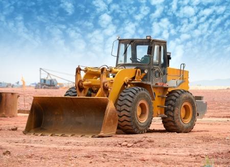 the equipment: excavadora en un sitio de construcci�n Foto de archivo