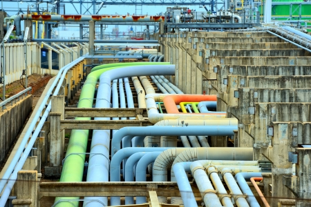 globalwarming: oil refinery fuel station with pipelines and valves Stock Photo