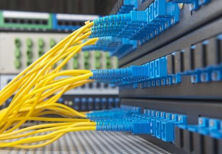 Centre de la technologie avec des équipements de fibre optique