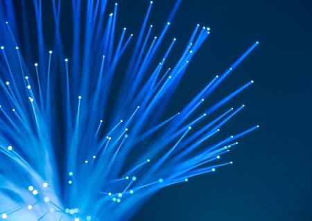 fibra �ptica: concepto de datos de equipo con fibra �ptica para la comunicaci�n global Foto de archivo
