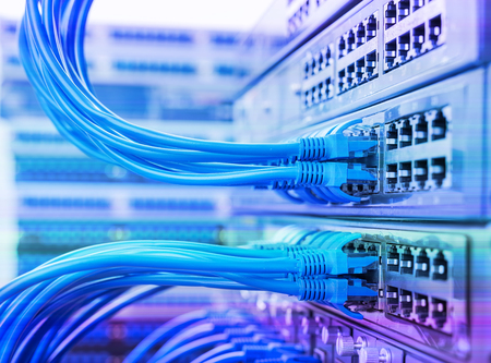 cable network: Conmutador de red y los cables, Data Center Concepto.