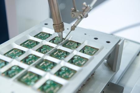 circuito electrico: Robot de soldadura