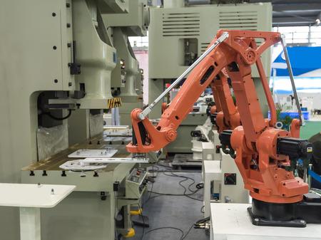 mano robotica: robótica máquina herramienta a mano en la fábrica de fabricación industrial Foto de archivo