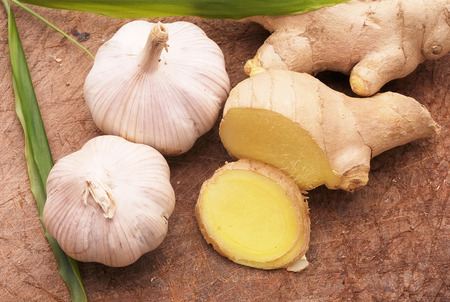 tinge: collection of fresh ginger root