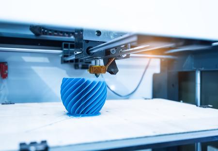 Modern 3D printer printing figure close-up macro Archivio Fotografico