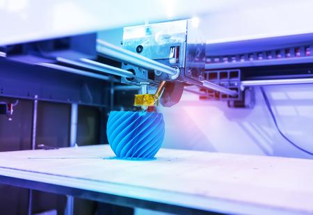 Three dimensional printing machine,3D printer. 免版税图像 - 99074950